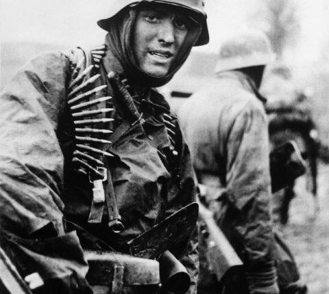German_soldier_Ardennes_1944.jpeg.jpeg